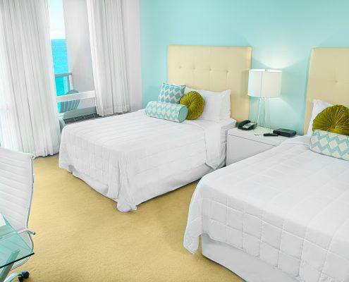 Deluxe oceanfront miami room