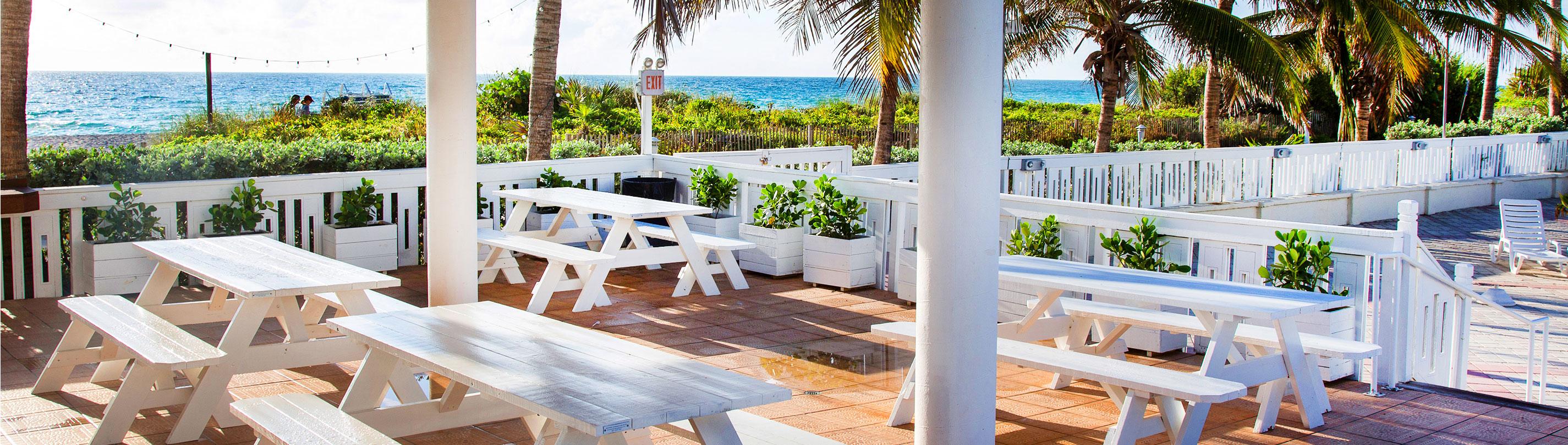 Tiki Bar deauville beach resort