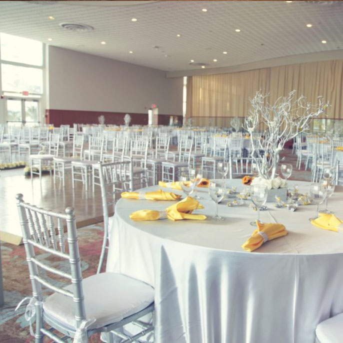 Wedding setting in the Richelieu Ballroom at the Deauville Beach Resort