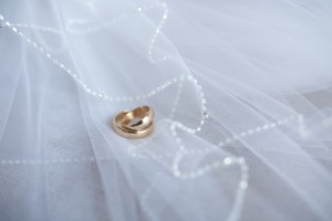 white-rings-decoration-macro-large